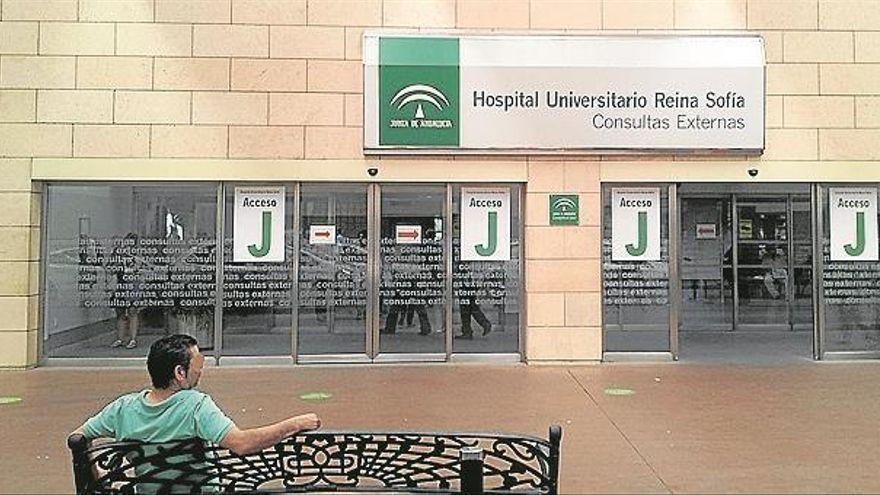 El Reina Sofía vacunará desde el sábado en Córdoba a pacientes trasplantados y oncológicos