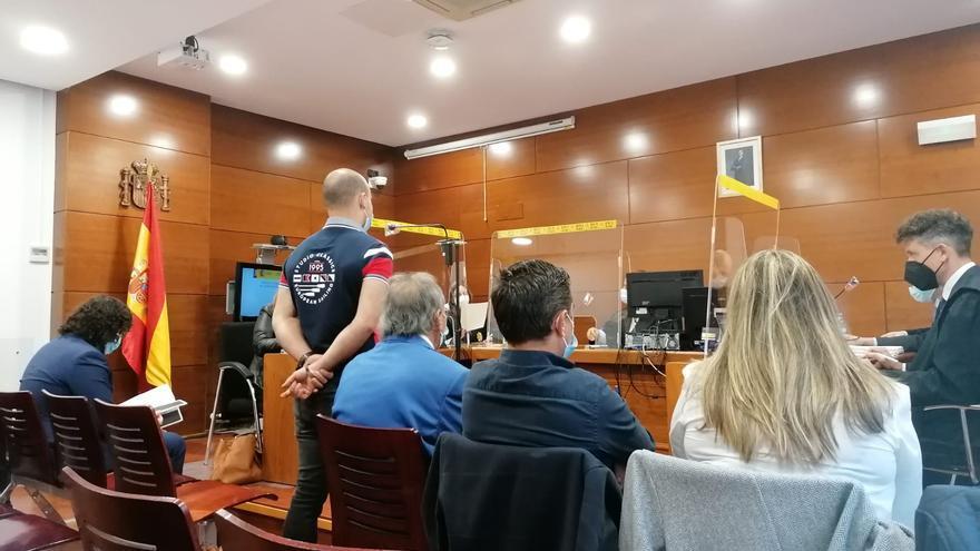 Una persecución entre familiares acaba con un coche estrellado contra un quitamiedos en Alcañices