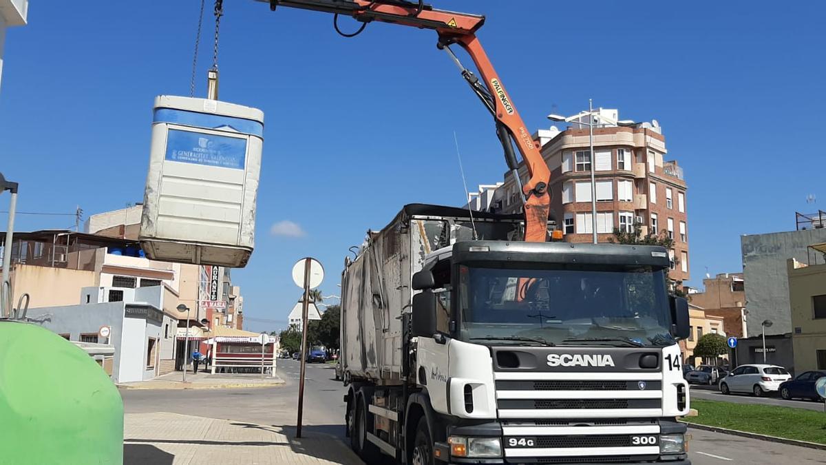 El nuevo contrato contempla la sustitución de los camiones de basura por otros que utilicen motores eléctricos.