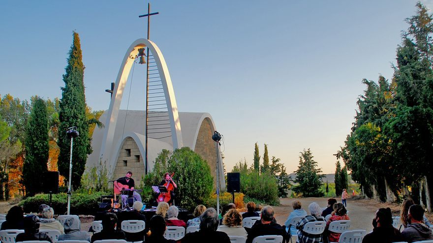 Espectacular cierre del Estoesloquehay con diálogo entre arquitectura colona y el nuevo folk aragonés