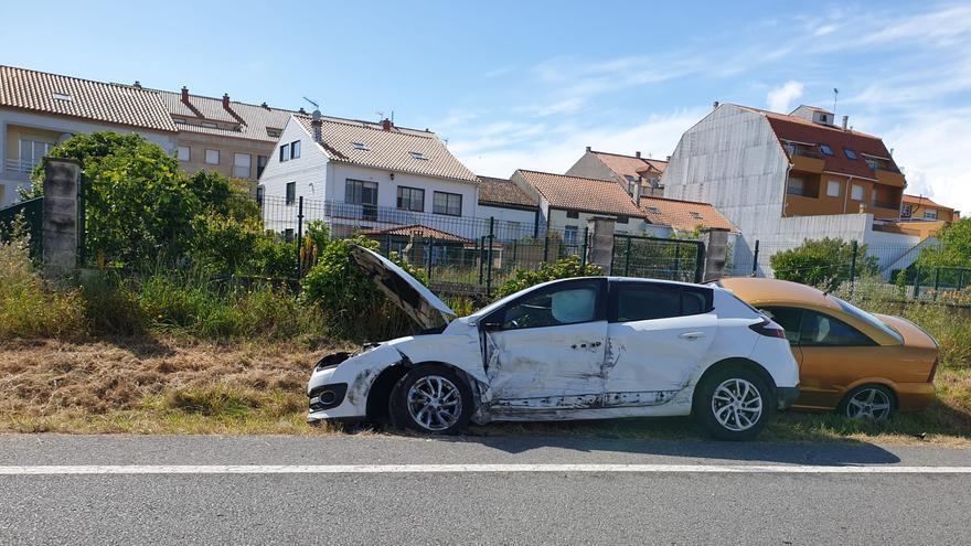 Tres heridos en una colisión múltiple en A Illa de Arousa