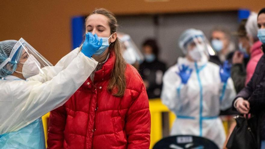 Sanidad notifica 25.456 nuevos contagios, la segunda cifra más alta de la pandemia