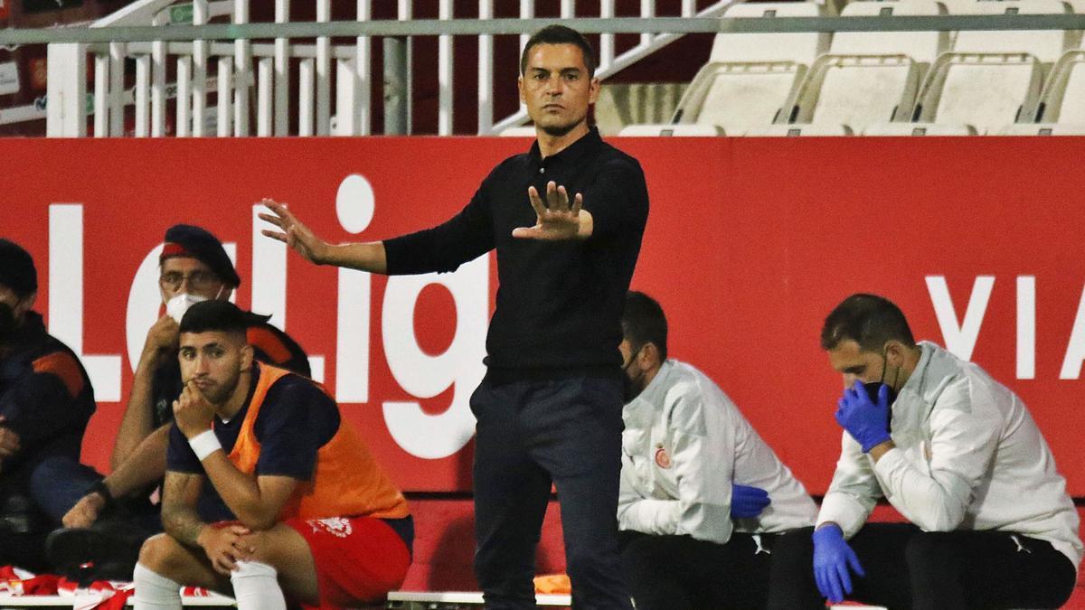Francisco dirigint el  partit contra l'Almeria  a Montilivi.  aniol resclosa