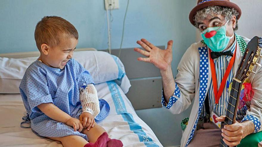 Endesa y Sonrisa Médica renuevan la colaboración 'Apadrina un payaso de hospital'