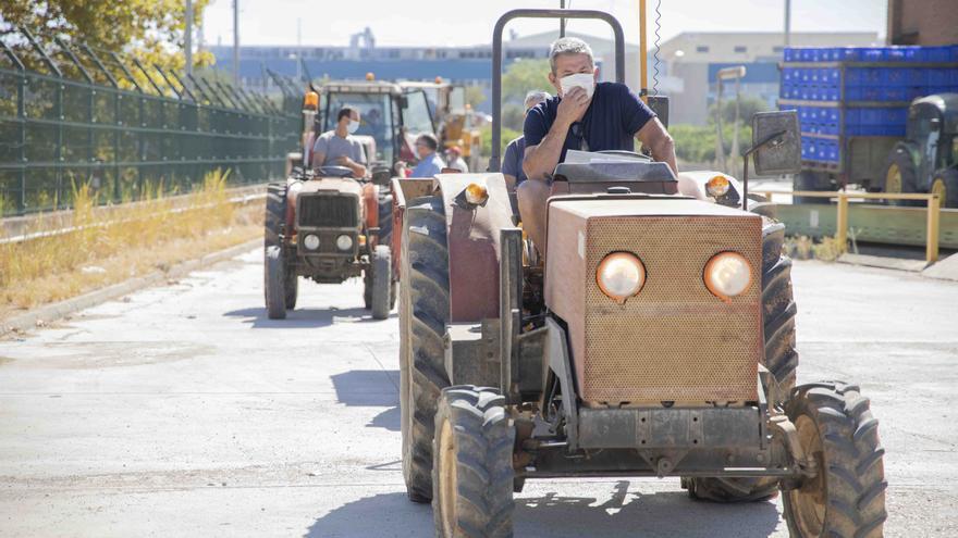 Unidad móvil en Picassent para la ITV de tractores