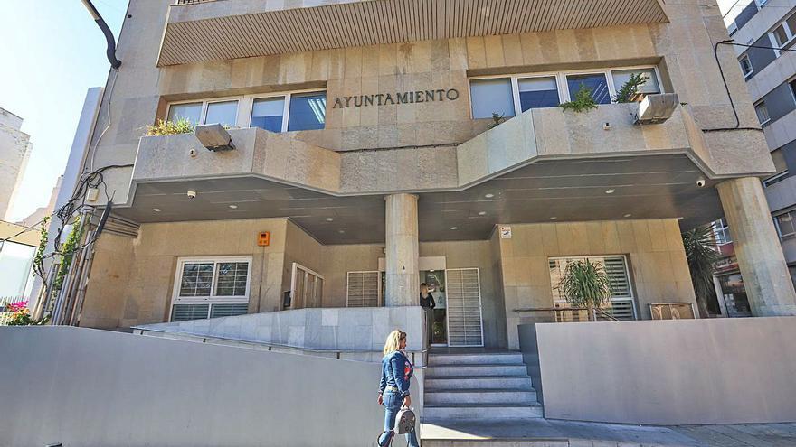 El Ayuntamiento de Torrevieja logra contratar la telefonía móvil tras cinco años de tramitación