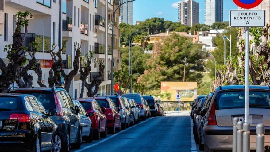 El aparcamiento para residentes en Benidorm, prorrogado hasta final de año