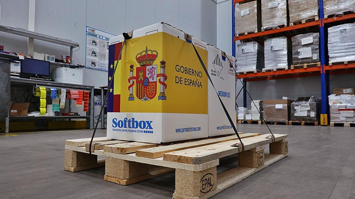 Una imagen de la caja de las vacunas, antes de ser repartidas entre las comunidades autónomas. | | EUROPA PRESS