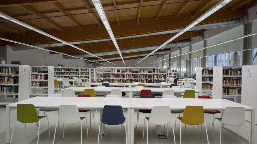 """José Guirao: """"Ourense estrena hoy una biblioteca del siglo XXI ubicada en un monumento histórico"""""""