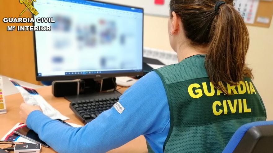 La Guardia Civil detiene a un supuesto pedófilo por acoso sexual a cientos de menores a través de Instagram