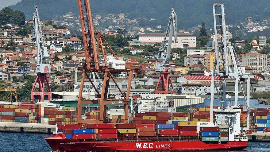 Los tráficos portuarios dejan atrás las caídas en Vigo excepto la pesca fresca y los cruceros