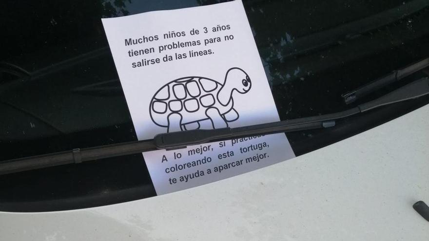 La egoísta forma de aparcar de un conductor que indigna en Redondela