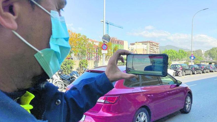 Una tableta electrónica por patrulla de la Policía Local para rellenar y expedir denuncias al instante
