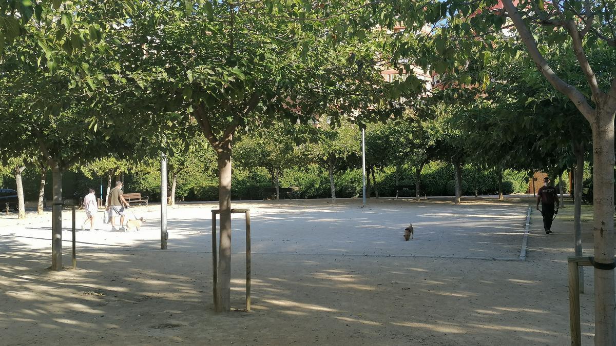 El parque de Santo Domingo, donde los vecinos afirman que hay pulgas.