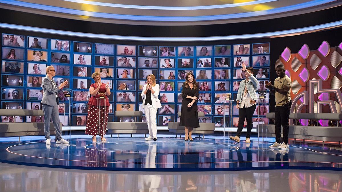 Espectacular plató del programa 'Gente maravillosa', donde cada viernes tendrán lugar muchas sorpresas.