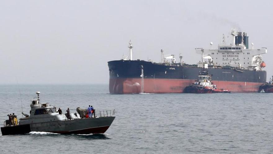 Irán anuncia la captura de un petrolero británico en el estrecho de Ormuz y la liberación de otro
