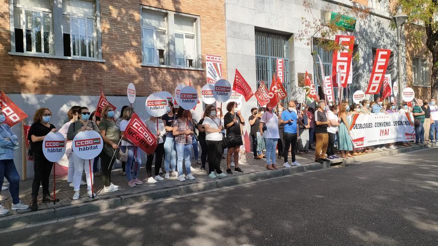 CCOO vuelve a concentrarse para exigir al gobierno andaluz mayor financiación para la dependencia