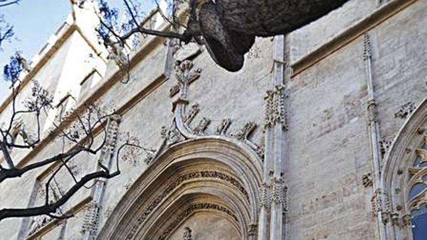 Patrimonio no rebajará exigencias para las carpas falleras en los BIC