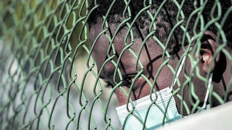 Tantas demandas como hagan falta para que los migrantes puedan salir de Canarias