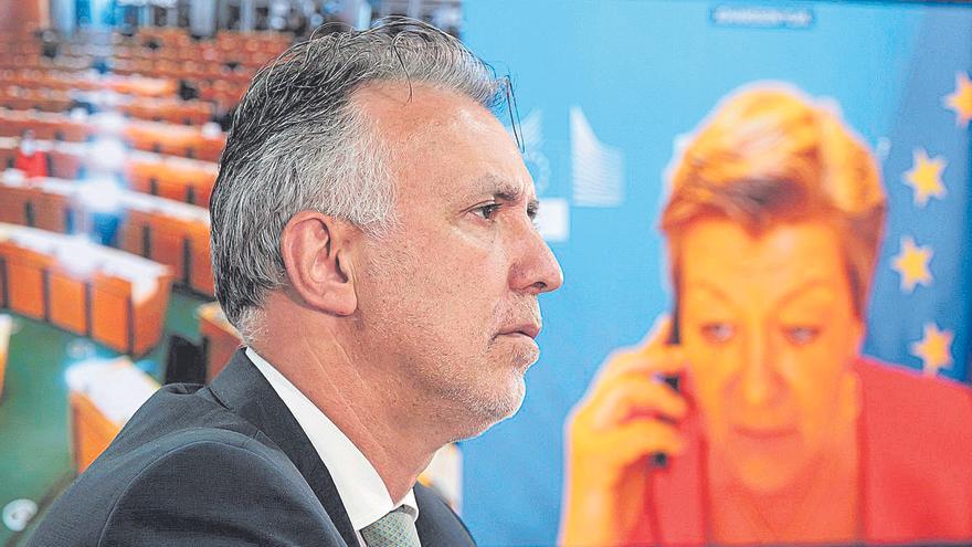 Torres logra el compromiso de Bruselas de implicar a todos los socios en la crisis