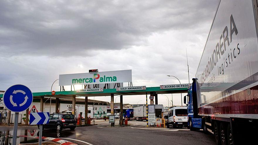 Los mayoristas de Mercapalma amenazan con parar dos días si no reducen costes