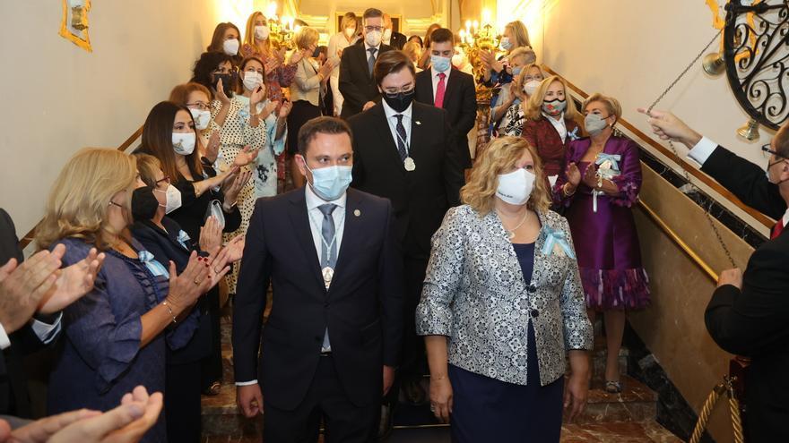 Imposición de la medalla de los nuevos miembros de la junta de gobierno de la Real Cofradía del Lledó