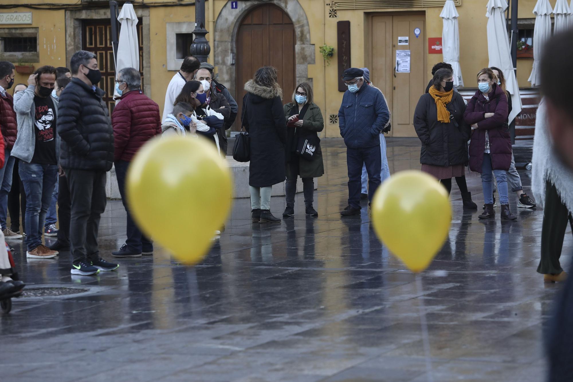 Los hosteleros abandonan su encierro en la iglesia de San Antonio de Padua
