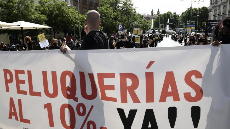 Hacienda vetará la rebaja del IVA de las peluquerías aprobada por el Senado
