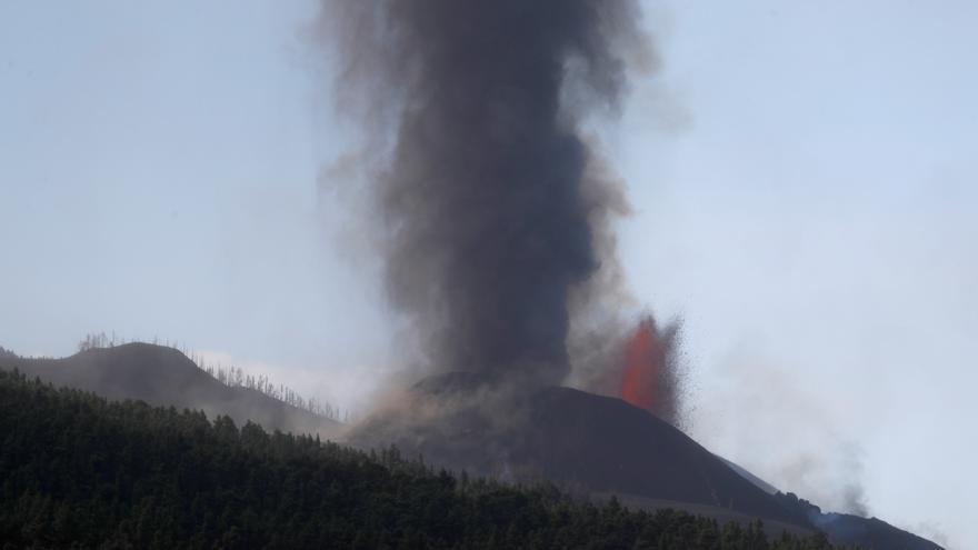 Directo | Se abre un nuevo foco de emisión de lava al oeste del principal
