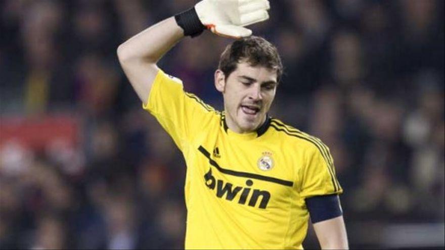 Iker Casillas se burla de Socialité tras ser acusado de perder los papeles