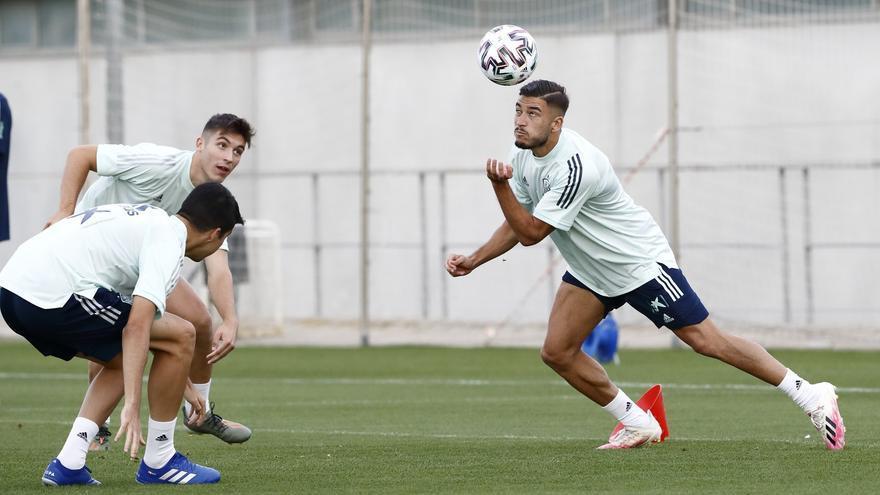 El Espanyol aprieta por Óscar Gil y el Elche intenta su renovación