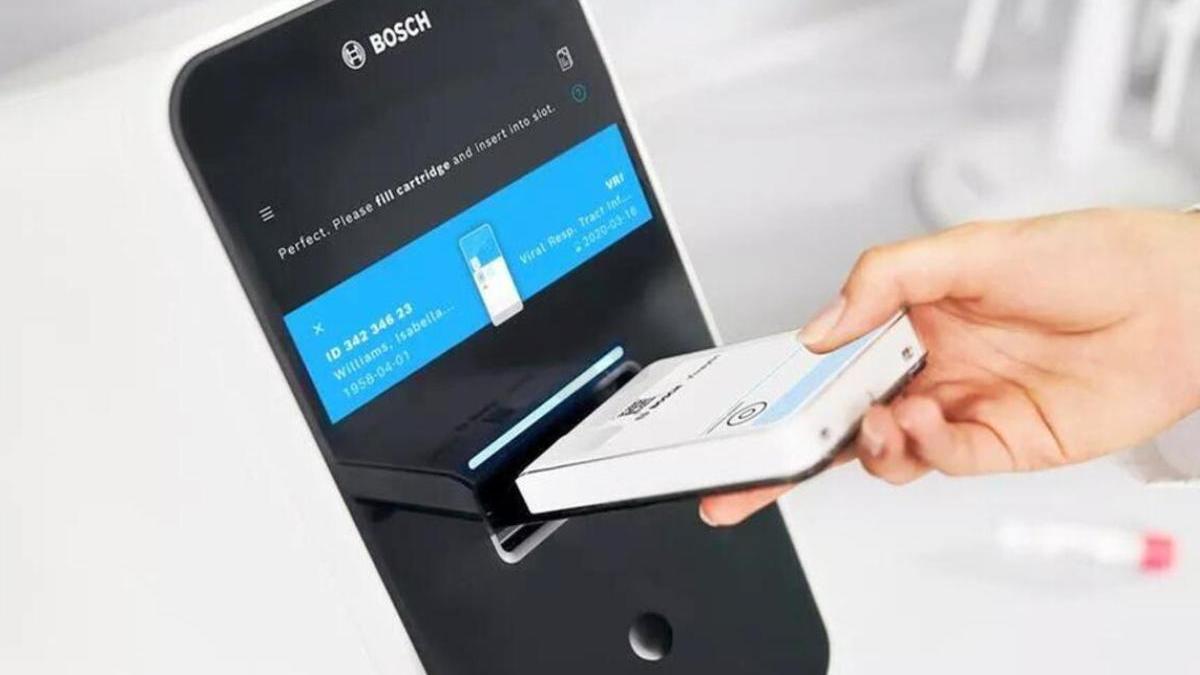 Sanidad adquiere cinco robots para la realización de PCR en las islas no capitalinas.