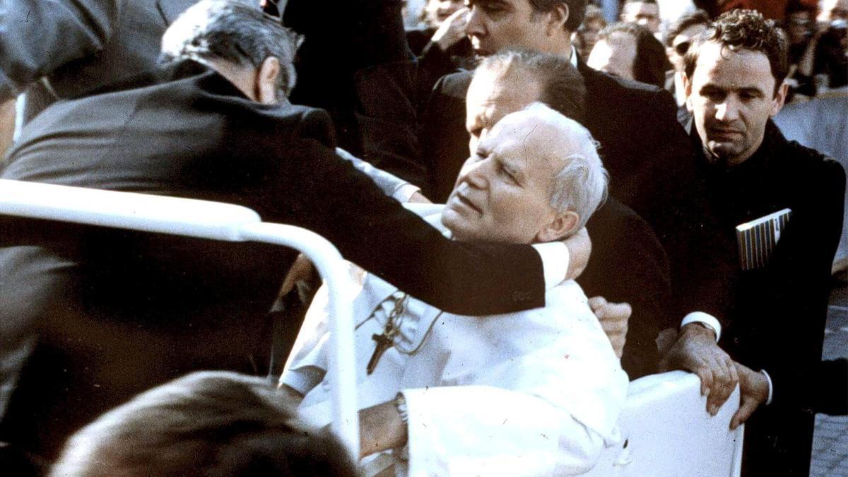 Los misterios sin resolver a los 40 años del atentado a Juan Pablo II.