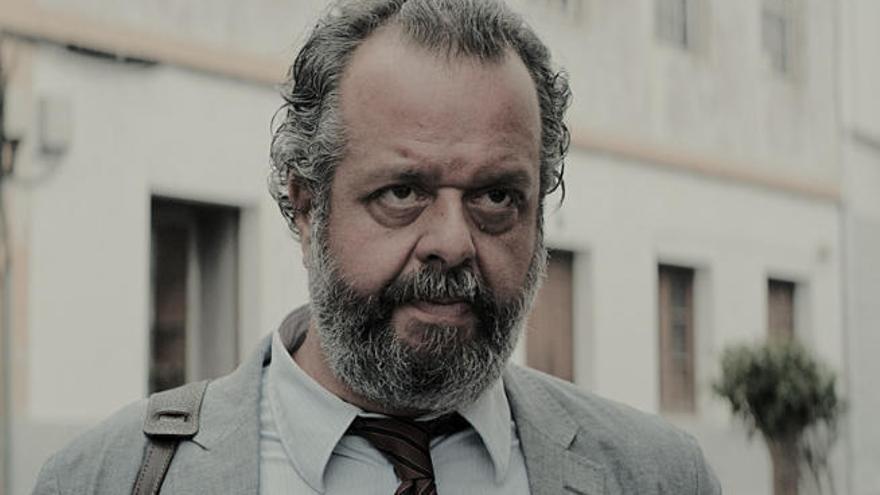 """Luifer Rodríguez: """"El herreño te atrapa y te conduce  a mirar las cosas de otra manera"""""""