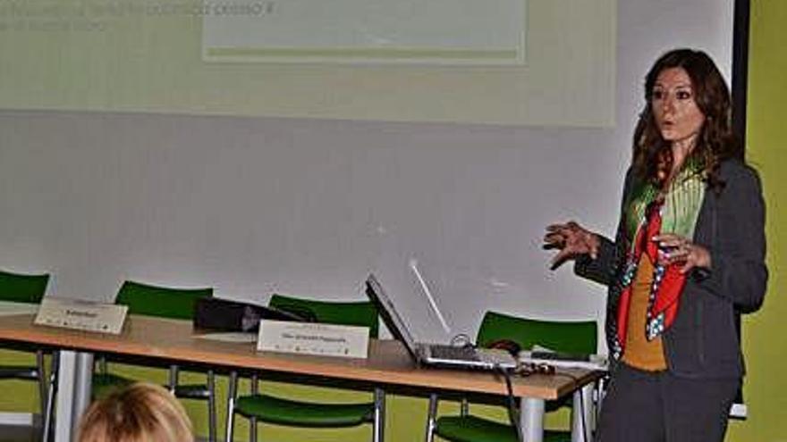 Diana Russo en su ponencia.