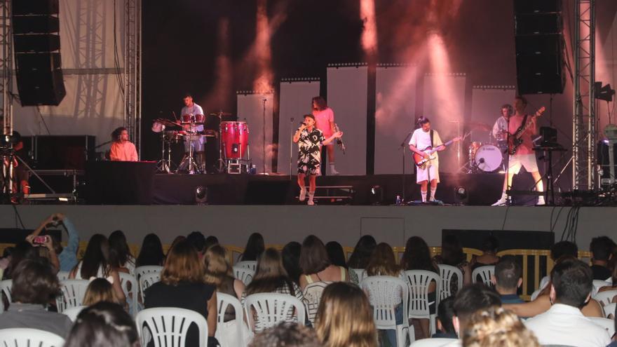 El concierto de Nil Moliner, con más de 700 personas, cierra los actos del patrón de l'Alcora