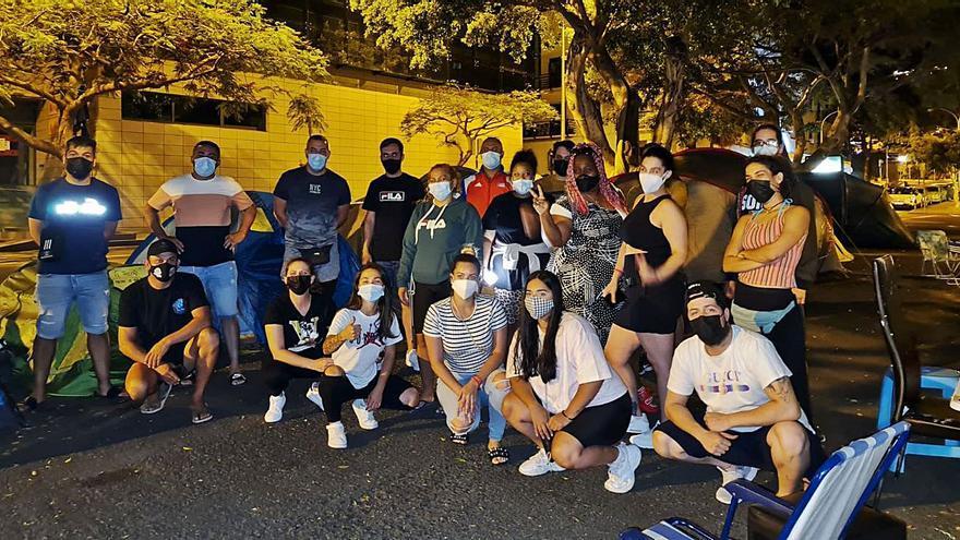 Santa Cruz apremia al Gobierno a frenar los desahucios de El Tablero