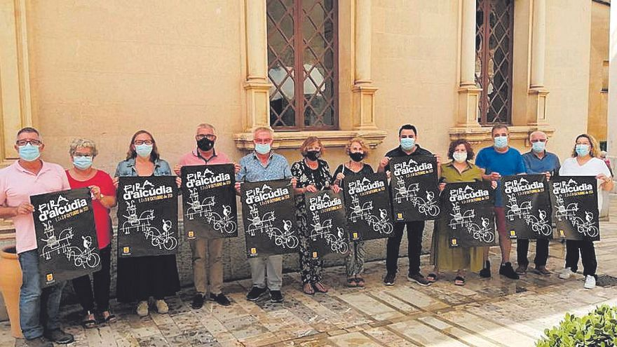 El ayuntamiento de Alcúdia presenta el cartel de la feria que se celebrará el próximo fin de semana