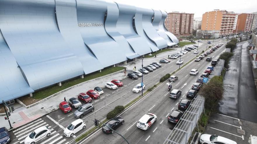Los trabajadores del polígono de Balaídos celebran el proyecto de un parking en la zona