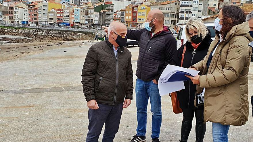 La Xunta prevé invertir 200.000 euros en mejorar la rampa del puerto guardés