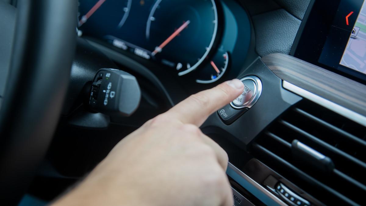 La nueva multa de la DGT te puede costar 100 euros aunque estés bien aparcado