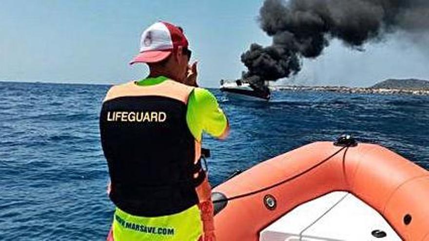 Las barcas de salvamento de Sant Josep hacen diez rescates en dos semanas