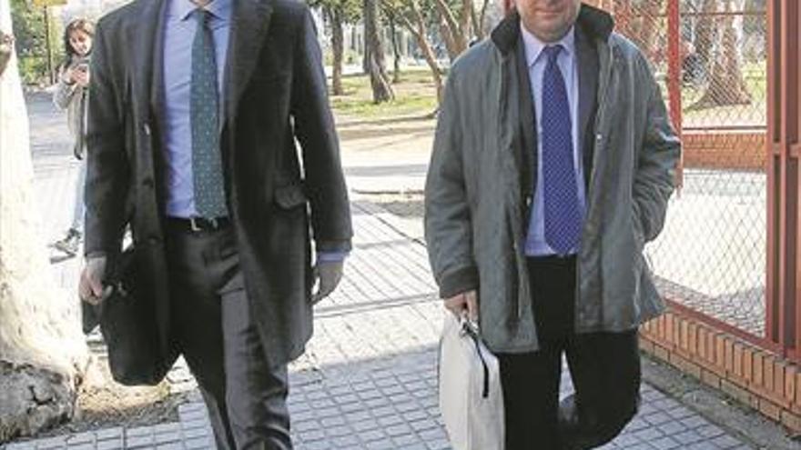 El juez archiva la denuncia de CTA contra Navas por los contratos del Alcázar