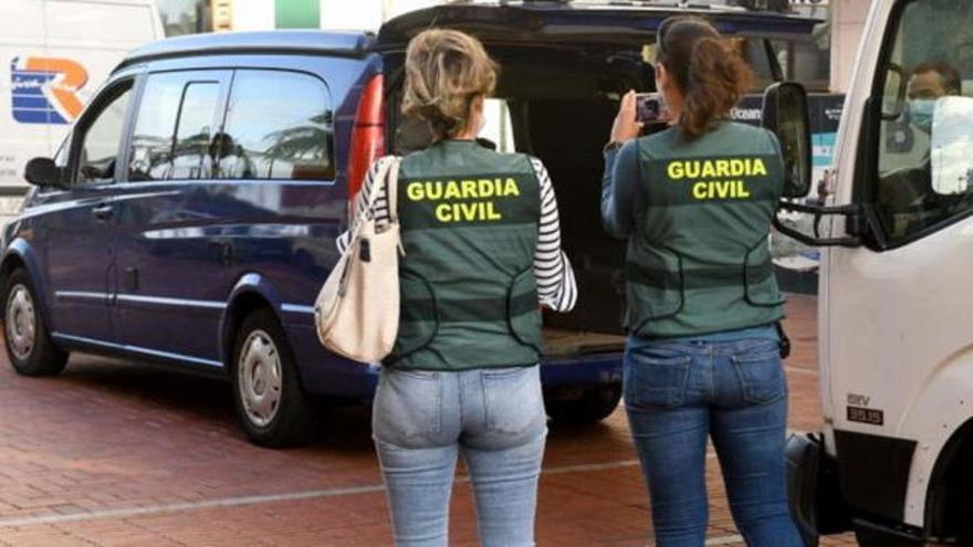 La Guardia Civil detiene al guía de un centro de buceo por un homicidio por imprudencia grave
