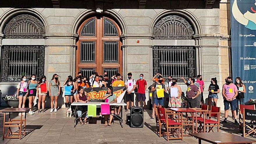 Entitats lligades  a la Festa Major d'Igualada diuen que Castells no els atén