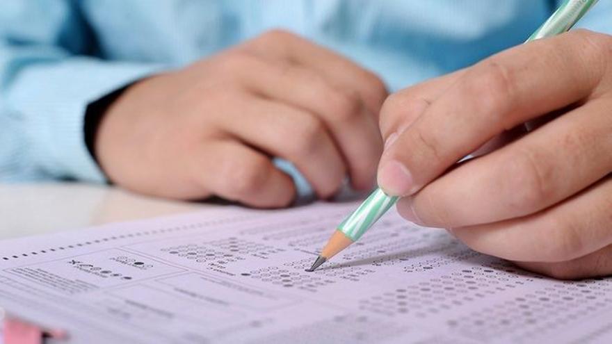 Un hombre aprueba el examen teórico de conducir tras 157 intentos