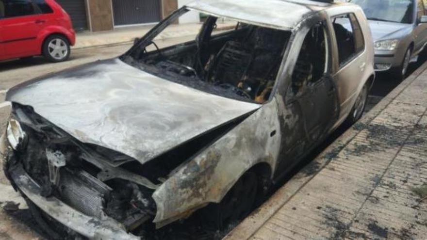 Muere atropellado en Moixent tras quemar el coche de su exnovia y escapar con su hija