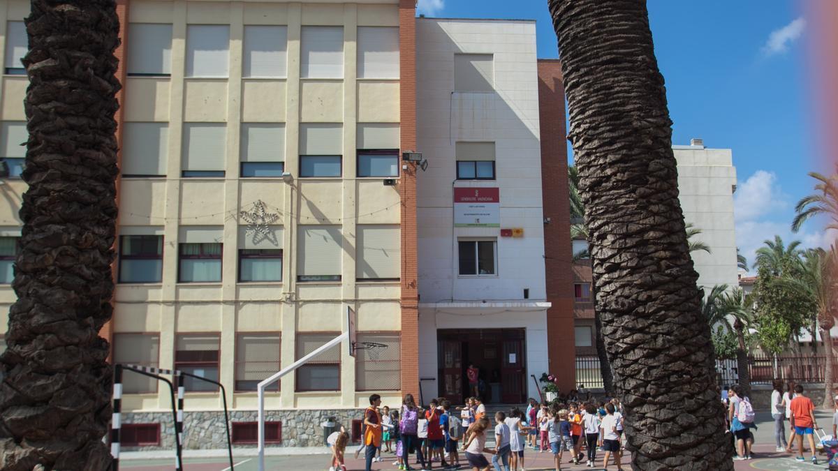 El colegio Luis Vives en una imagen de archivo, antes de la pandemia.