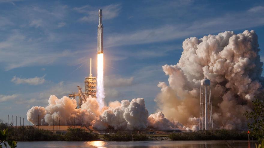 «Falcon Heavy», el coet més potent, ja viatja cap a Mart