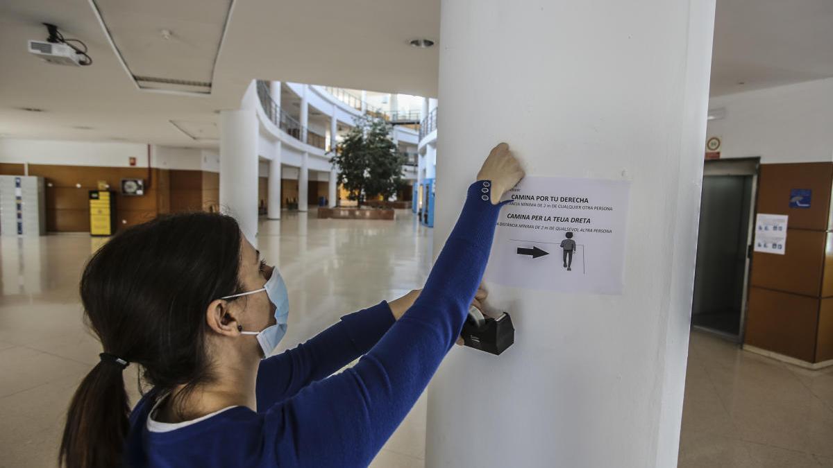 Trescientos trabajadores podrán entrar a diario en la UA